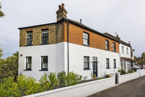 Hamilton Road, Walthamstow, London, E17. 4 bedroom end of terrace house for sale