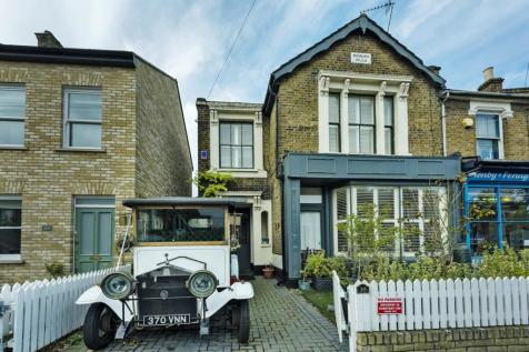 Beulah Road, Walthamstow, London, E17. 5 bedroom semi-detached house for sale