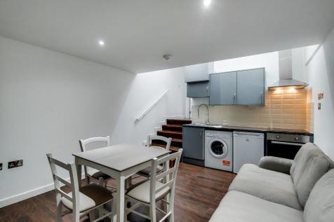 North End Road, London, SW6. 2 bedroom flat
