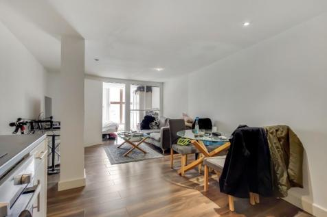 North End Road, London, SW6. 1 bedroom flat