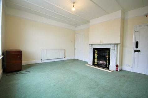 Yarborough Road, East Cowes. 1 bedroom flat