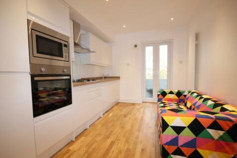 Shanklin Road, Brighton, BN2. 3 bedroom apartment