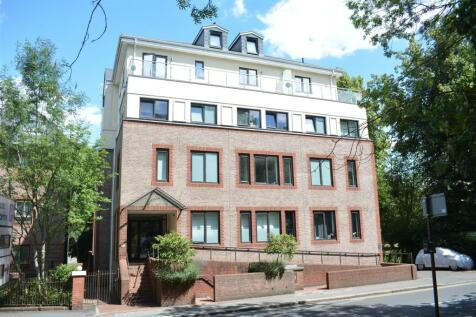 South Street, Epsom. 1 bedroom flat