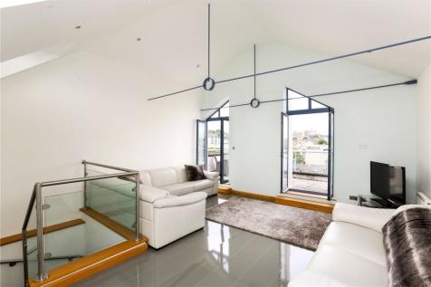 The Quays, Cumberland Road, Bristol, BS1. 2 bedroom penthouse for sale