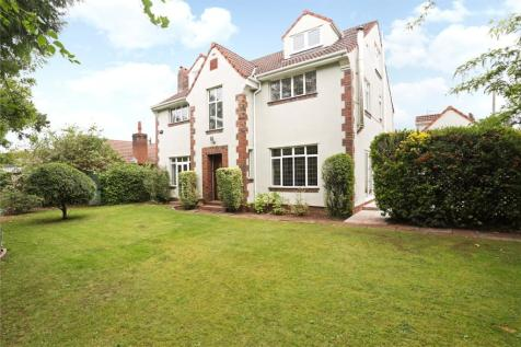 Bristol Road, Frenchay, Bristol, Gloucestershire, BS16. 6 bedroom detached house