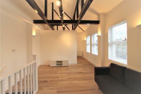 Broadway, Ealing, London, W13. Studio flat