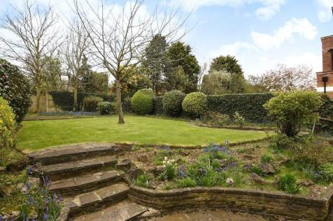 The Ridings, Ealing, London, W5. 5 bedroom house