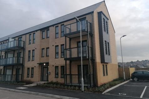 Riverbank Avenue, Newport, South Wales, NP19. 2 bedroom apartment