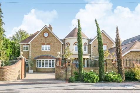 East Ridgeway, Cuffley, Hertfordshire. 7 bedroom detached house for sale