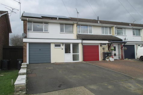 Kennedy Close, Purbrook. 3 bedroom end of terrace house