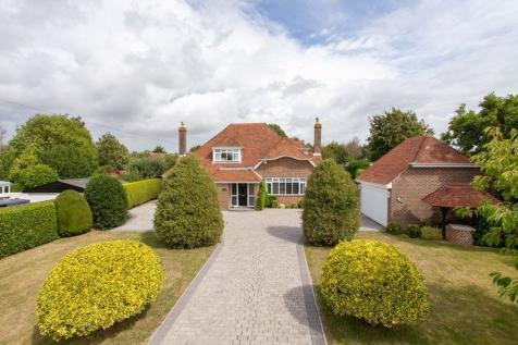 St. Peters Road, Hayling Island. 4 bedroom detached house for sale