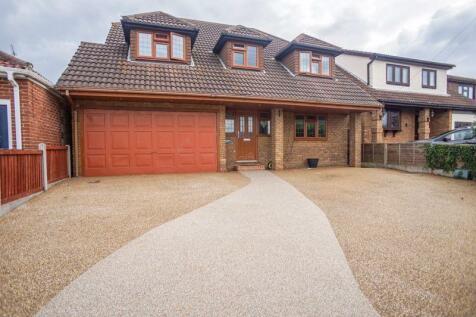Highlands Road, Basildon. 4 bedroom detached house