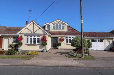 Southfalls Road, Canvey Island. 4 bedroom detached house