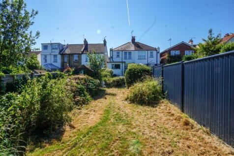 Lymington Avenue, Leigh-On-Sea. 3 bedroom semi-detached house