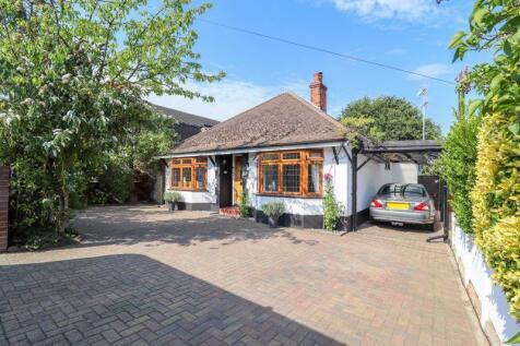 Kents Hill Road, Benfleet. 3 bedroom bungalow