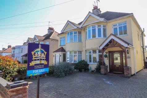 Rayleigh Road, Leigh-On-Sea. 4 bedroom semi-detached house