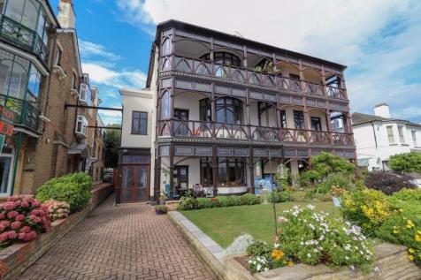 Clifftown Parade, Southend-On-Sea. 3 bedroom apartment