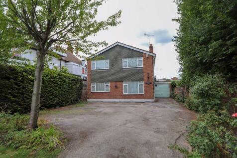 London Road, Benfleet. 4 bedroom detached house