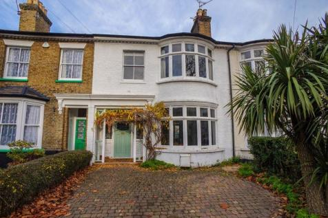 Cambridge Road, Southend-On-Sea. 4 bedroom terraced house