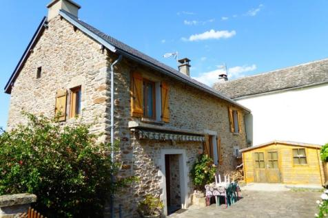 Midi-Pyrenees, Aveyron, Salmiech. 3 bedroom character property for sale