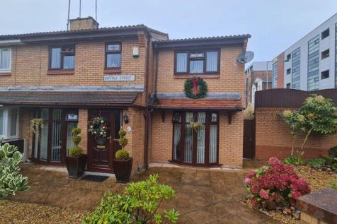 Suffolk Street, Liverpool. 4 bedroom semi-detached house for sale