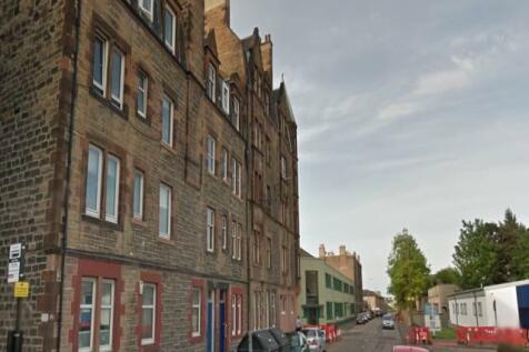 Bonnington Road, Newhaven, Edinburgh. 3 bedroom flat