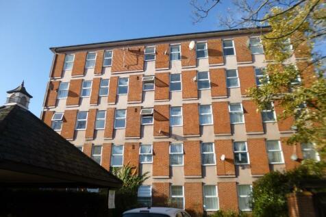 High Street, Waltham Cross, Hertfordshire, EN8. 1 bedroom apartment