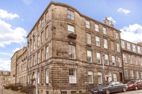 15/1 Hart Street, New Town, EH1 3RN. 3 bedroom flat for sale
