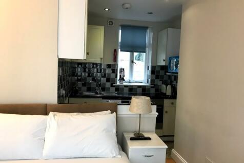 Castletown Road, London, W14. Studio flat