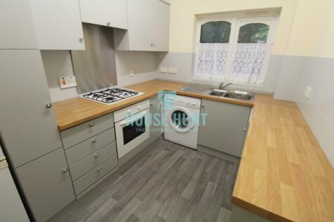 Flat 13, Yewdale, Harborne Park Road, Birmingham, B17. 2 bedroom apartment