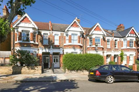 Crediton Road, London, NW10. 3 bedroom terraced house