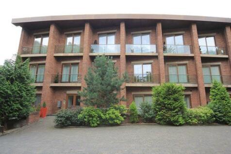 Yew Tree Road, Calderstones, Liverpool, L18. 3 bedroom flat for sale