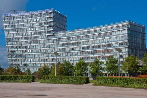 One Park West, Strand Street, Liverpool City Centre, L1. 2 bedroom apartment for sale
