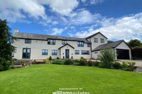 Graigfechan, Ruthin. 4 bedroom character property for sale