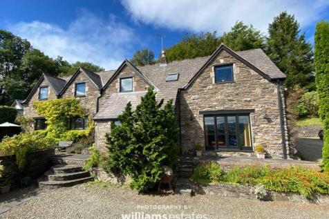 Clawddnewydd, Ruthin. 5 bedroom detached house