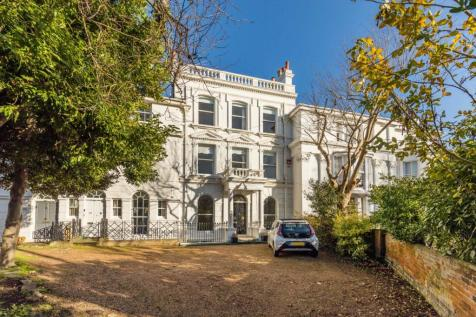 Kent Road, Southsea, Hampshire, PO5. 6 bedroom terraced house for sale