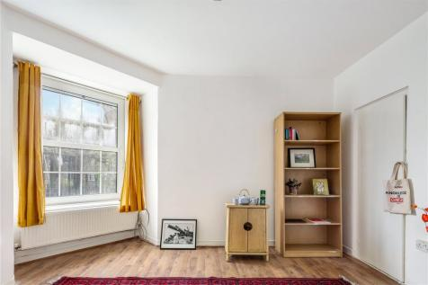 Wheler House, Quaker Street, London, E1. 4 bedroom flat for sale