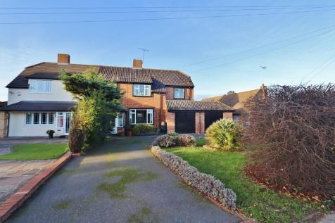 North Road, Romford, London, RM4. 4 bedroom semi-detached house for sale