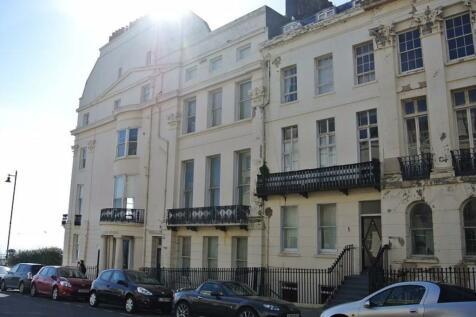 Portland Place, Brighton BN2 1DG. 2 bedroom flat