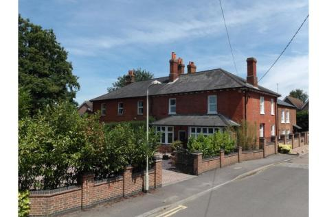 Alder Mews, Wokingham, RG41. 5 bedroom character property for sale