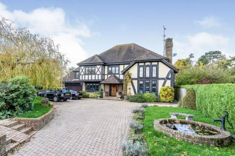 Bluehouse Lane, Oxted, RH8. 6 bedroom detached house