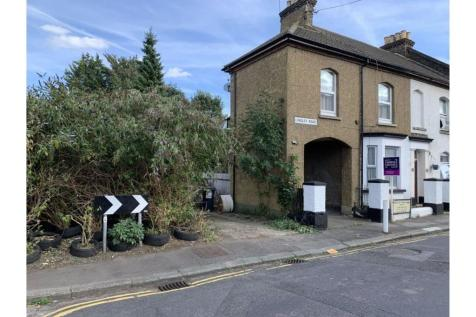 Longley Road, Rochester, ME1. 1 bedroom apartment