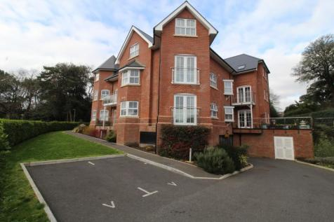 Inverclyde Road, Poole, BH14. 2 bedroom apartment