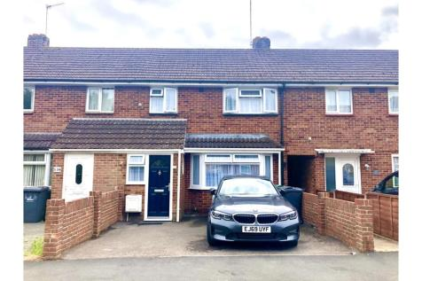 Parkhouse Farm Way, Havant, PO9. 3 bedroom terraced house