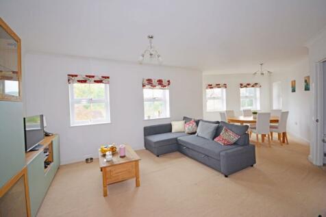Dorking Road, Guildford, GU4. 2 bedroom flat