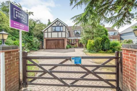 Houghton Avenue, Hempstead, Gillingham, ME7. 5 bedroom detached house