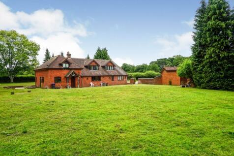Lyburn Road, Hamptworth, Salisbury, SP5. 5 bedroom detached house