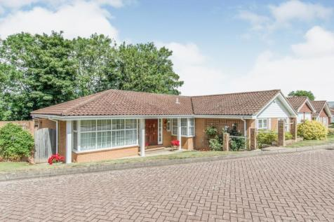 Abbotts Close, Rochester, ME1. 4 bedroom detached bungalow for sale