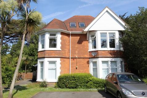 13 Flaghead Road, Canford Cliffs, Poole, BH13. 2 bedroom apartment