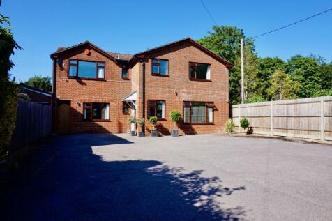 Pack Lane, Basingstoke, RG22. 5 bedroom detached house